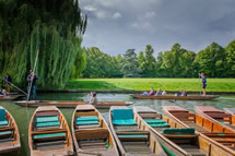 Punting in Cambridge (low res)